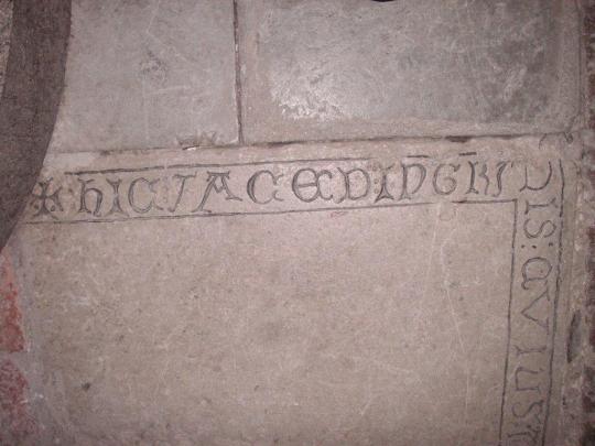 Bild 4 Abedissans gravsten